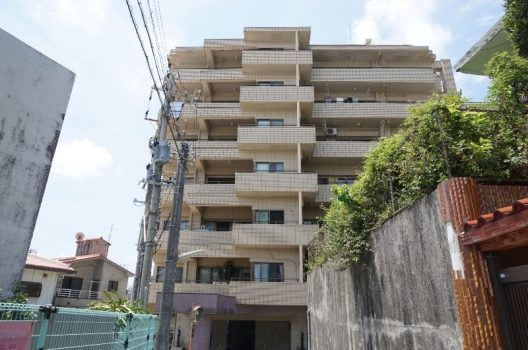 浦添市港川のマンション
